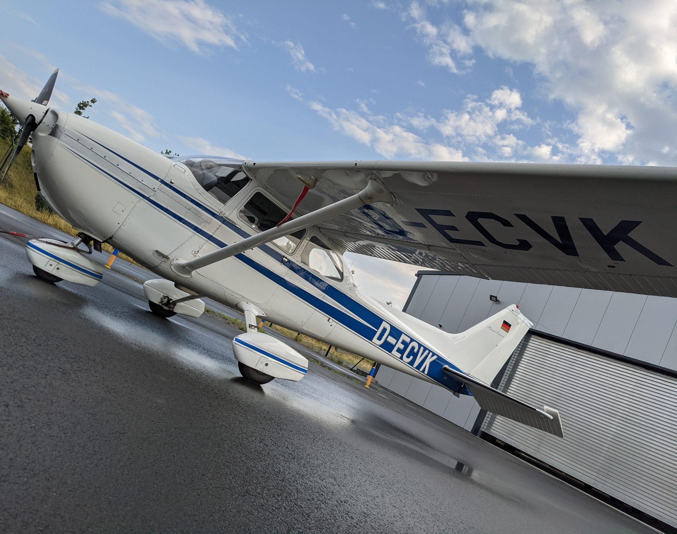 Altitude Kassel Flugschule PPL LAPL D-ECVK Flugzeug