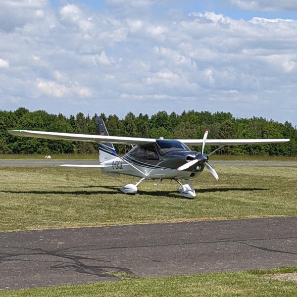 Altitude Kassel Flugschule PPL D-EROX Flugzeug